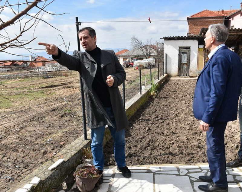"""После 63 години, дел од улицата """"Орде Чопела"""" во прилепската населба Варош доби канализација"""
