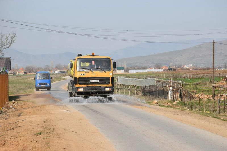 Дезинфекција на улиците во градот и населените места – започна примената на мерките кои ги донесе Општинскиот кризен штаб