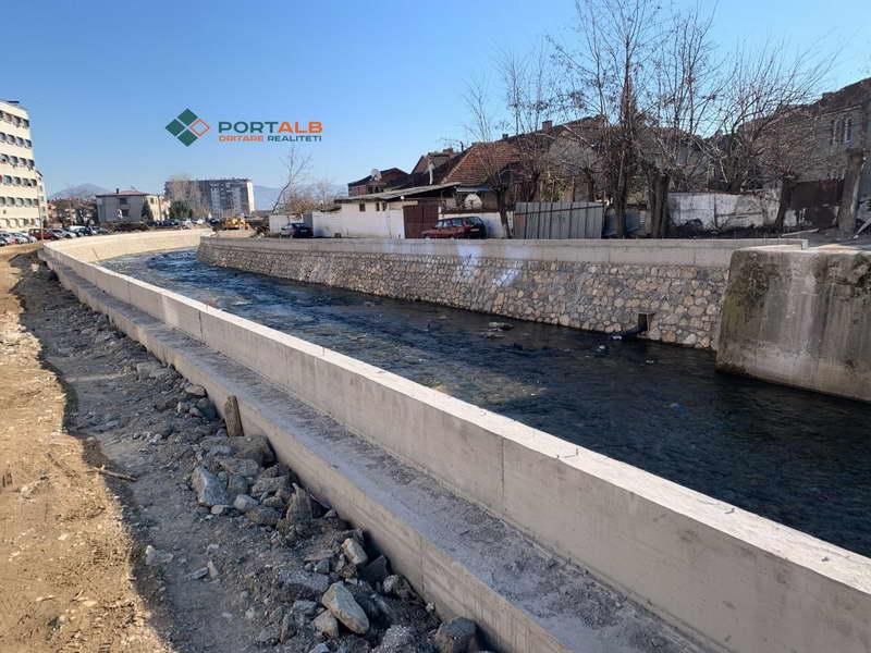 Потпорните ѕидови на реката Пена кај тетовската болница ќе бидат готови до април