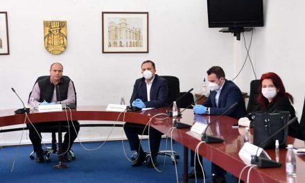 Спасовски и Османи од Куманово: Мерките се носат во консултација со експертите, граѓаните да ги почитуваат препораките