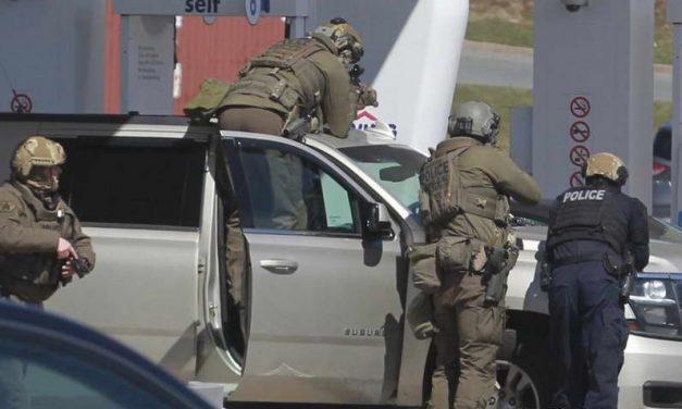 Вооружен масакр ја шокира Канада