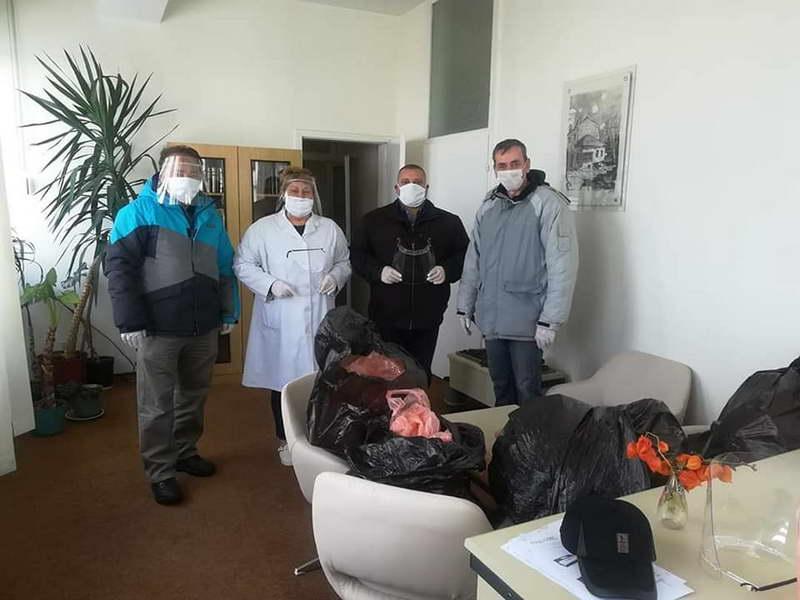 Крушево: Заштитни визири за здравствените работници