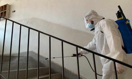 Општина Прилеп спроведе акција за дезинфекција на сите станбени згради во градот