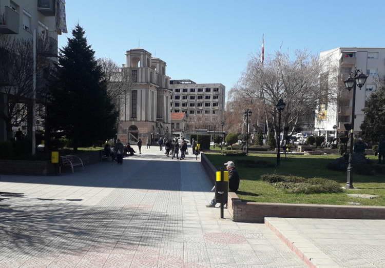 Известување за дежурни маркети кои работат за време на полицискиот час во Кумановo
