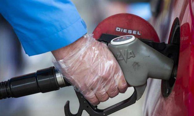 Бензините поскапуваат за половина денар, а цената на дизелот останува иста