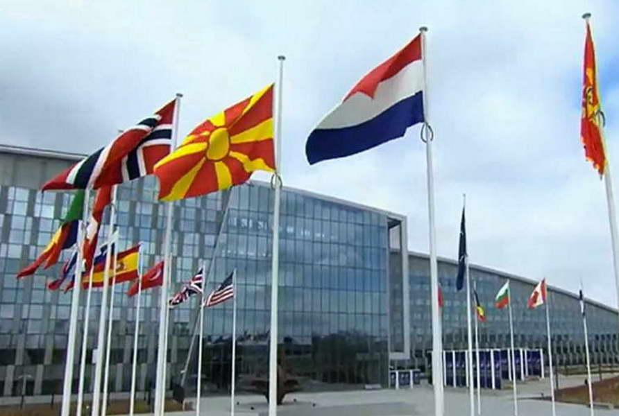 Спасовски, Шекеринска и Димитров упатија честитка по повод Денот на НАТО