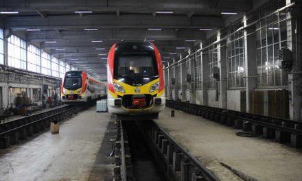 Од денеска патничките возови ќе сообраќаат и за викендите, со редуциран возен ред
