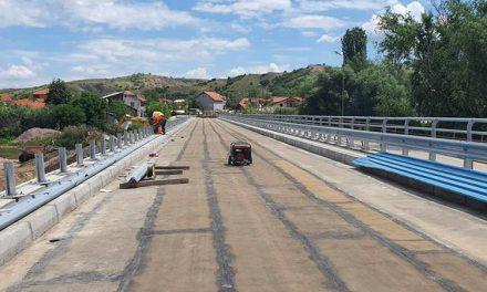 Завршува изградбата на новиот мост на река Пчиња