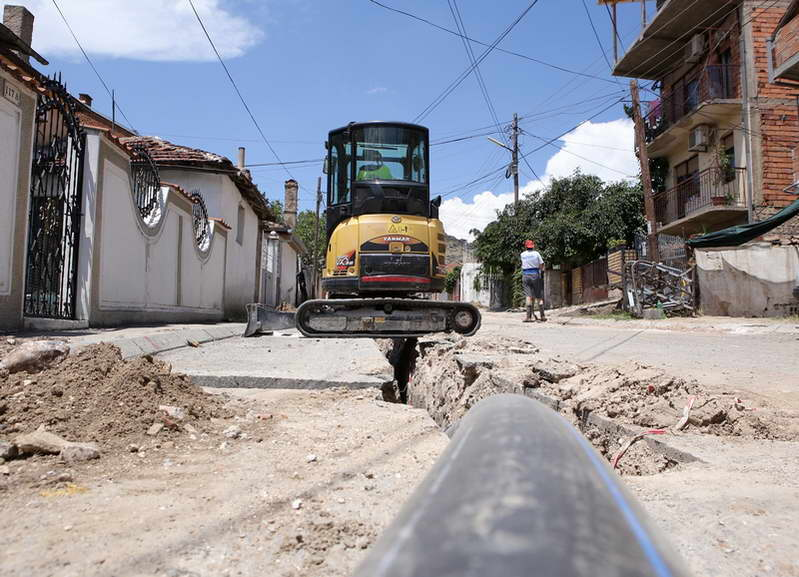"""Привршуваат работите за промена на водоводната и канализационата мрежа на улицата """"Круме Волнароски"""""""