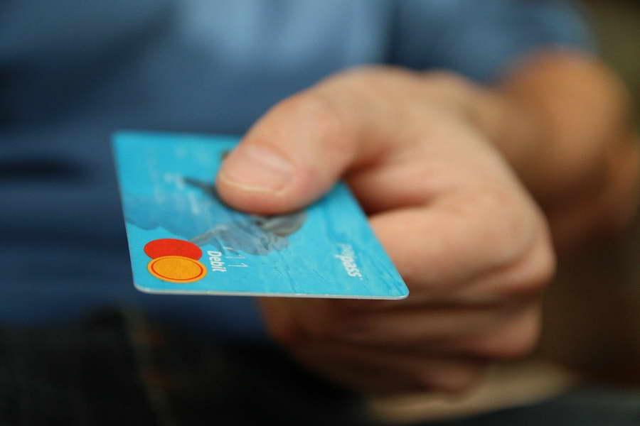 Прифатени се околу 5.000 приговори за домашна платежна картичка за млади лица до 29 години
