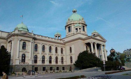 Во Србија денес се одржуваат избори, дел од опозицијата ги бојкотира