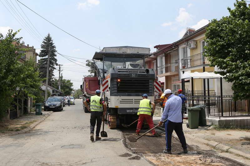 """Започнаа градежните работи за рехабилитација на улицата """"Октомвриска"""""""