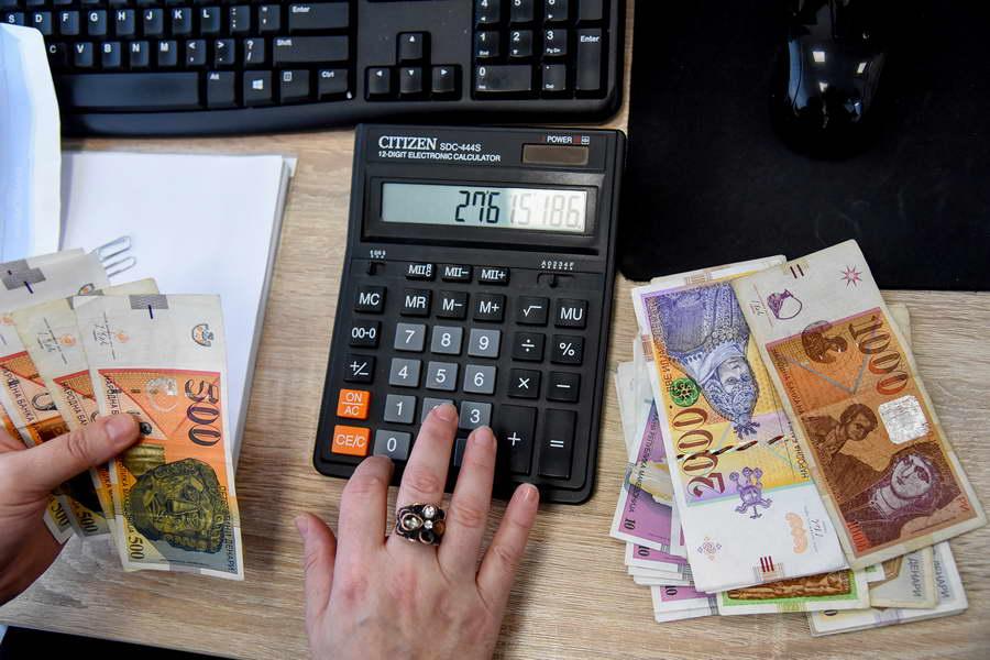 Просечната нето-плата во декември 2020 се зголемила на 28.294 денари