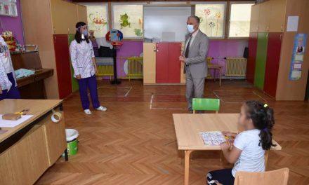 Со запазување на сите пропишани протоколи, прилепските градинки ги отворија вратите за прием на децата