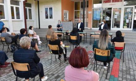 Пред почетокот на новата учебна година, градоначалникот Јованоски на средба со прилепските наставници