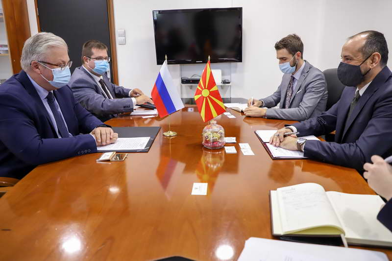 Средба на Вицепремиерот Битиќи со амбасадорот на Русија Баздникин – Да го одржиме континуитетот во трговската размена и да ја зголемиме економската соработка