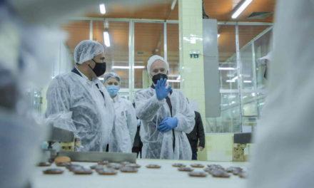 Заев: Успесите на компаниите се сатисфакција за владините мерки, економскиот развој на Ресен го заживува преспанскиот регион