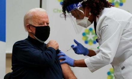 Се вакцинираше Бајден, а што е со Трамп?