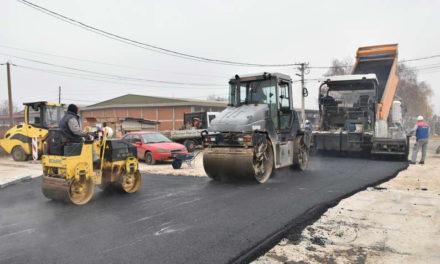 """Се асфалтира мостот во населбата """"Сточен пазар"""", до крајот на месецот ќе биде пуштен во употреба"""