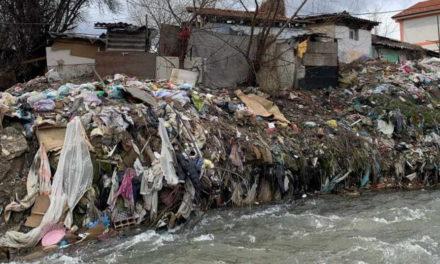 """Порталб: После многу години ветувања, конечно се чисти депонијата во тетовската """"Ромска населба"""""""