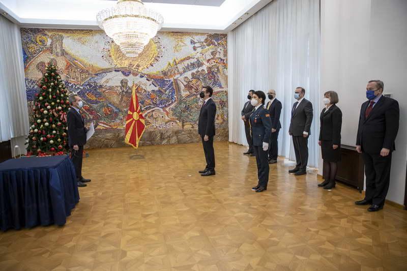 Претседателот Пендаровски ги прими акредитивите на новоименуваниот грчки амбасадор, Русос Кундурос