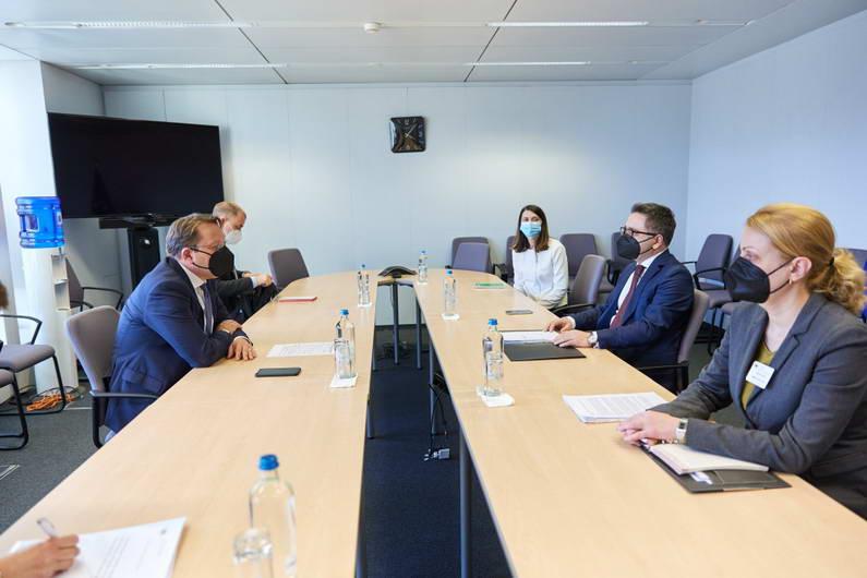 Средба Бесими – Вархеи: Економско – инвестицискиот план за Западен Балкан ќе го трансформира регионот и ќе овозможи побрз економски раст