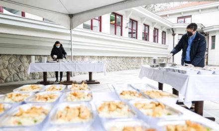"""""""Ретвитни оброк"""" во Кабинетот на претседателот Пендаровски"""