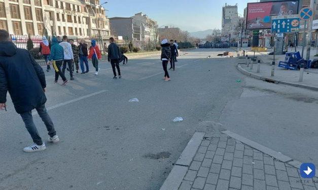 """ОЈО поднесе обвинение против седум лица за протестите за случајот """"Монструм"""""""