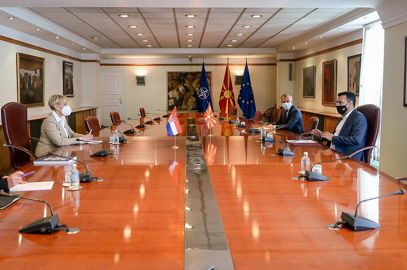 Заев на средбата со амбасадорката на Хрватска Тигањ: Почитувањето на македонскиот идентитет и јазик, еднаков со сите други, е европска вредност и од земјите членки на ЕУ бараме да опстанат на европските вредности