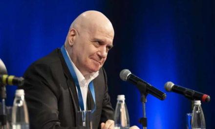 По изборите во Бугарија, сите конци во рацете на шоуменот Слави Трифонов