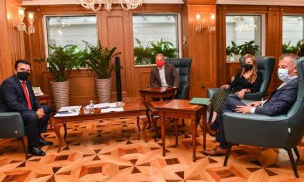 Средба на премиерот Заев со европратеникот Шидер: Поддршка за политиките на дијалог и очекувања од сите политички субјекти за ефикасен Парламент