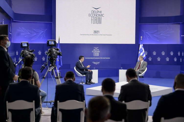 Заев на Форумот Делфи во Атина: Потребен ни е економски просперитетен Балкан на 21 век, интегриран во ЕУ