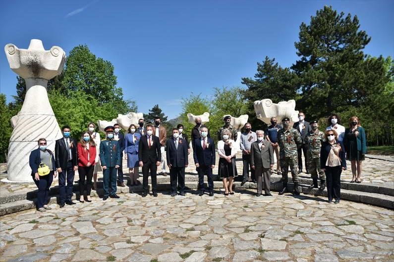 Прилеп: Одбележан Денот на победата над фашизмот и Денот на Европа