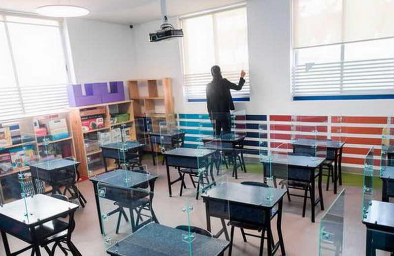 Се бара решение за бојкотот, родителите и МОН ќе седнат на заедничка маса за учебниците