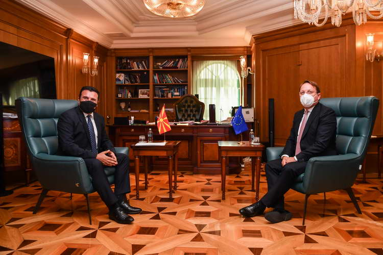 Заев на средбата со Вархеји: Европеизацијата е нашата агенда на патот кон ЕУ, а поддршката со вакцини е голем гест на европската солидарност