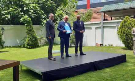 """Делчево: Официјално доделен договорот за изградба на енергетско ефикасна фасада на ООУ """"Ванчо Прке"""""""