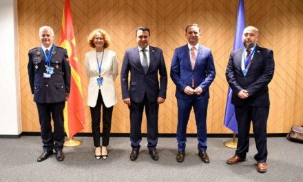 Заев на Самитот на шефови на држави и влади на НАТО: Со првото учество на самит на НАТО го даваме и нашиот придонес за стратешките одлуки и за иднината на Алијансата