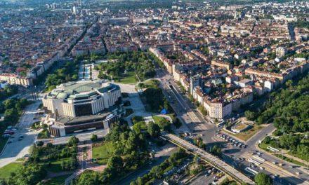 Бугарскиот претседател Радев в четврток ќе го распушти парламентот и ќе назначи нова техничка влада