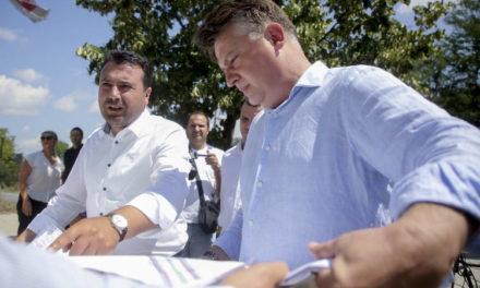 """Заев: Целосната реконструкција на булеварот """"Никола Карев"""" со двете најважни клучки обезбедува лесен и непречен проток на 25.000 автомобили дневно во тој дел на Скопје"""