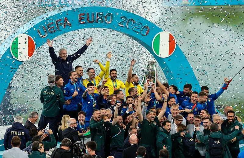 """Фотографија на денот: Италија им ги скрши срцата на Англичаните на """"Вембли"""""""