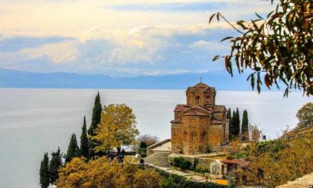 Странските туристи му откажаа љубов на Охрид