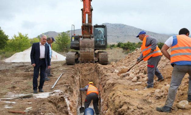 """Од изворите во """"Пашоски ливади"""" во водоводната мрежа во Прилеп ќе доаѓаат нови количини на вода до 25 литри во секунда"""