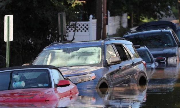 Во поплавите предизвикани од бурата Ида загинаа над 40 луѓе