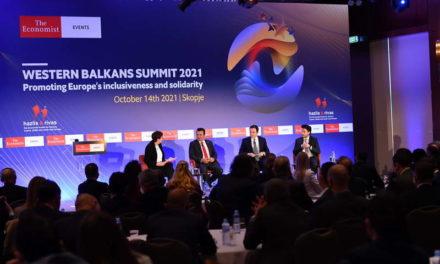 """Заев на Самитот на """"Економист"""": Спроведуваме политики кои обезбедија стабилност и раст и во услови на ковид и ја коригираа прогнозата на Светска банка за растот на БДП"""