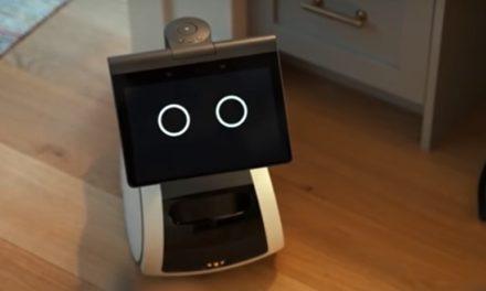 (Видео) Првиот домашен робот Астро не може да чисти, но може да ви донесе пиво додека гледате телевизија