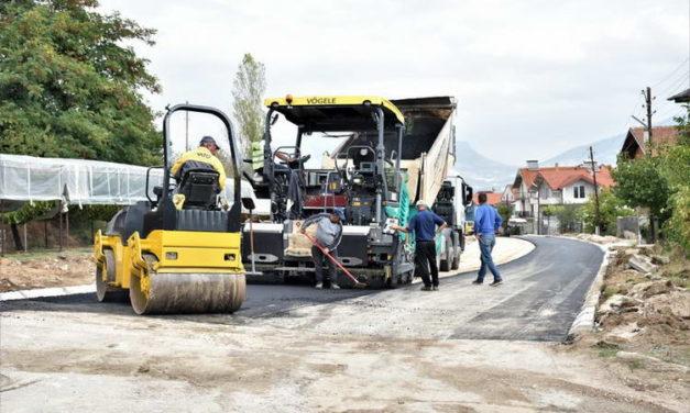 """Во завршна фаза асфалтирањето на улицата """"Целе Мавроски"""""""