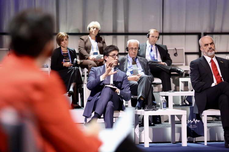 """Пендаровски во Малме се обрати на Меѓународниот форум за сеќавање на Холокаустот и борба против антисемитизмот """"Запомни – Реагирај"""""""